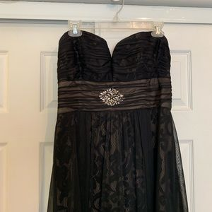 Betsy & Adam Black Strapless Lace Gown Size 8